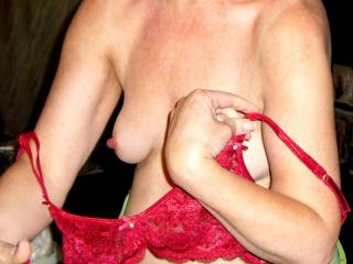 I would love to suck on her big beautiful nipples, I like her bra too, very sexy.