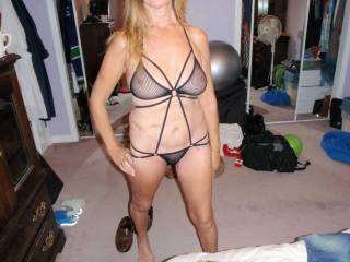 dam wish i got to see and enjoy inperson one sexy lady wow. great breasts.  nice outfit dam