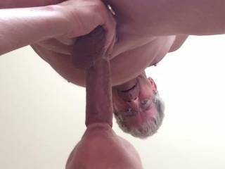 Dam she is good real good what a hot cock sucker I love some playtime with this hot women Mmmmmm