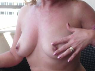 So sexy mmmmmmm get a sweet bite on each one, what a great titsjob i would love to have with those nice tits of you, kisses from the sun xxx
