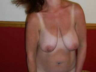 Another one of the Mrs having a crazy time, dancing round the bedroom and shaking her hair all over the place, DAMN she looked hot, what do you think?
