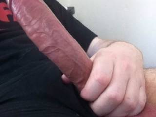 holy fuck no one should be allowed to have a cock that big that could be dangerous ha