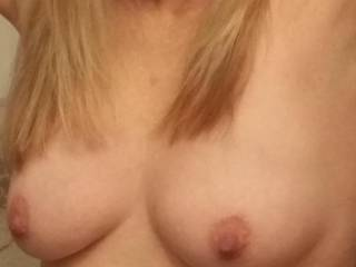 Would LOVE to play with those PERFECT, AWESOME tits!!!!