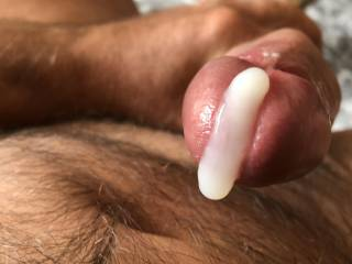 Love seeing my hot cum ouse out of my cock all over myself mmmm sk damn horny 😋
