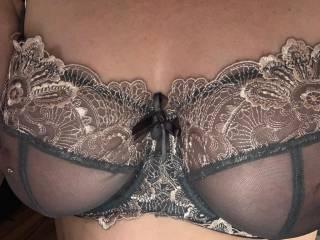 Blonde Bell.  Whitworth lancashire slut. In Mannheim Germany.  Pull my bra down wank on my tits.