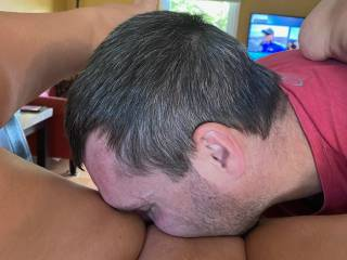 Eating that smooth sweet pussy