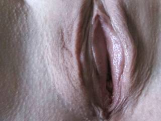 Mmm i wants to lick your hot pussy, you start to moan when you feel my tongue is in your hot and wet pussy..😘