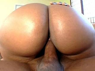 thats my kind of ass!!!!! like my latin wifes