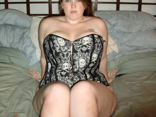 this has to be my favorite pic on zoig..i keep cumming back to it,,so beautiful and sexy