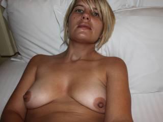 lovely lady with lovely titties too mmmm  love to lick/kiss & suck those awesome nips    mmmmmmmmmm