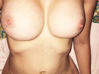 Who will cum over my boobies ?