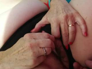 Fingering girlfriend on public beach to orgasm , PLEASE COMMENT ! we love it!