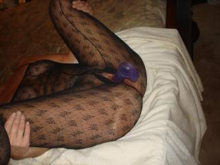 love to watch a HOT lady play with her toys !! love the body suit