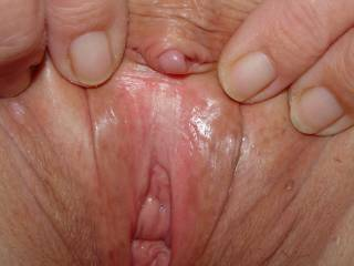 Nice closeup of girlfriends hairless pussy right before sex. Does it look good enough to eat??? I do every chance I get.