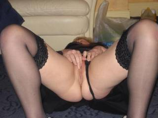 Hello lovely lady, would love to be between your beautifil legs sucking your wonderful pussy