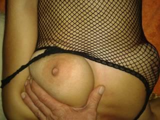 Nice tits. big beautiful nipple, want to suck on it