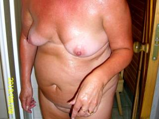 Do you like her mature body................