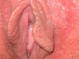 Mmm I'd love to give that tasty pussy of yours a nice long licking!