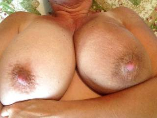 beautiful tits to yoour tits would look amazing with my cum on then,they are amazing tits