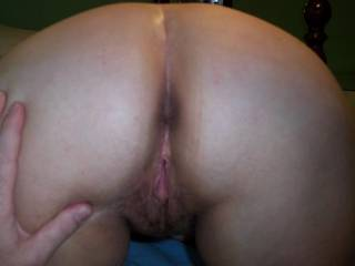 love to grab and spread those sweet ass cheeks and lick your tasty pussy until your begging me to stop!!-very nice!