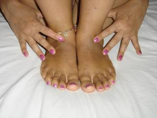 That is one of my fetishes I love to suck toes and soles... Makes me so hot that I ahave to have some ass. I don't know the relationship though.