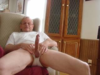 mmmmmmmmmmmmmm i wish i could be there on my knees sucking and licking your cock .