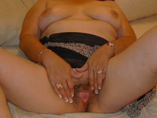 Looks so wet and moist... Mmmmm I bet that pussy feels good wrapped around my cock milking me...