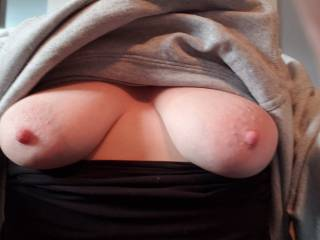 I wanna feel your hot cum all over my tits!