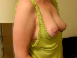 Taking a picture of my wife\'s wonderful tits