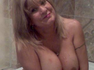 Just shooting some pic's in the bathroom