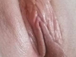 Beautiful and delicious lips! I'd love to kiss em and lick em and suck on those beauties for hours and hours! May I?