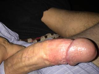 The women on this site do this to me. Ladies who wants to ride my face and slide this in their mouth? I love to please and want my face as wet as the head of my thick throbbing cock