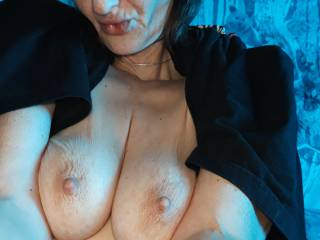 Fancied saying good morning, 😍 it is a beautiful Tuesday for taking off the clothes and playing with my tits 😋 any UK help offers about?? 😘😘