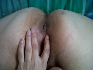 would anyone like to stick your cock in this tiny butt hole???????? i think it needs a good work out ........