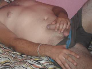 I am a Spanish guy and I love the sex I like to show and tell the girls what they think of me and everything I would do to my girl loves to watch me masturbate with other women for cybersex cam if you want you only have to send a private