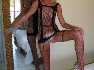 mistress,may i be you clean up licking slave to keep you hott and ready for all your hung cummers!!! great sexxy hott outfit!!!