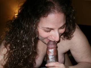 What you cant see is her friend taking her from behind. Good start to a hotel party.