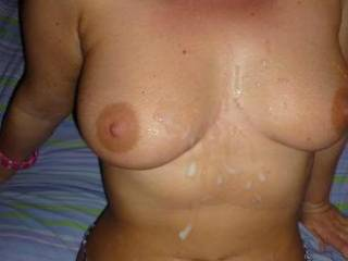 MMMM I would love to shoot my hot load all over her hot body...