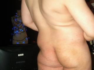 any ladies like my little butt? I would let you do anything u want with it if u do ;)