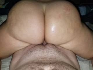 Any ladies want to smack that beautiful ass????