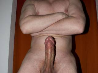 totally sensational penis..want to lick and suck that all day and your sack too.