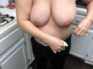 how\'s this for a cum target....feel free to tribute her and post it for everyone to see