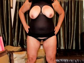 A cupless top and crotchless panties…I'm ready to play!