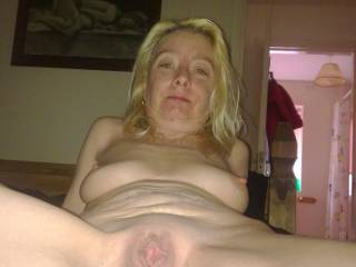 love your juicy big cunt!!! sure you would enjoy sucking and fucking 2 cocks love to help service you