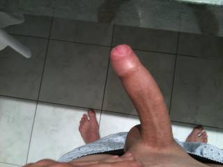 Mmmm......big, thick,uncut. Would love to lick the tip before suvking it long and hard. Got me hard thinking about it