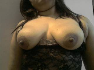 I'd love to slide my cock those beautiful tits. Then cream all over them