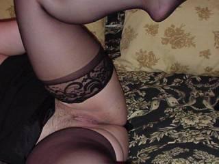 Beautiful legs and a very pretty pussy yummm!!!