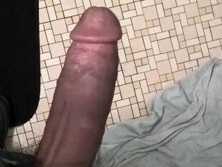 OMG, my pussy needs some stretching right NOW!!!