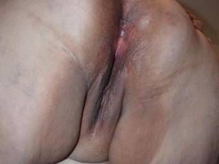 Show her BBW ass hole  does it make you cock hard and her juicy deep pussy hole