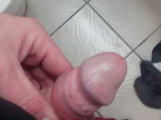 I just got through blowing that load and I pulled my head out to squirt the rest out but didn\'t get to catch the load shooting out but what would you do to me